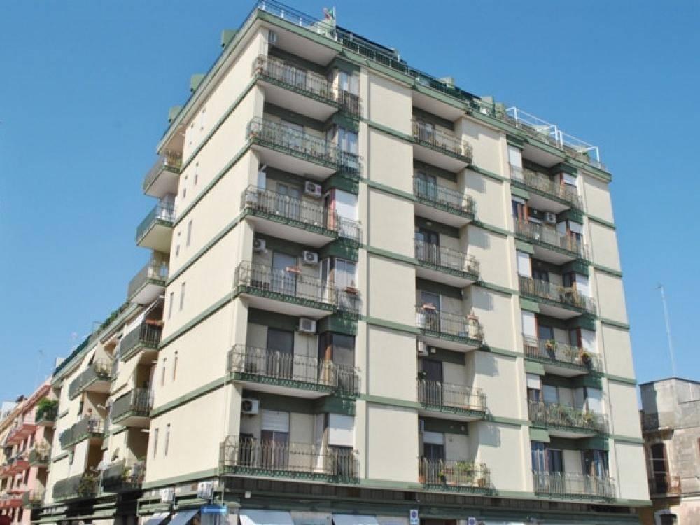 Appartamento in buone condizioni in vendita Rif. 8850943