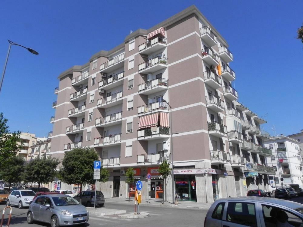 Appartamento in ottime condizioni in vendita Rif. 8850944