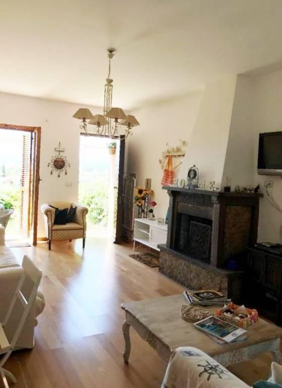 Villa a Schiera in vendita a Trevignano Romano, 3 locali, prezzo € 135.000 | CambioCasa.it