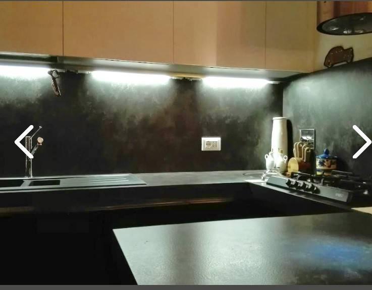 Appartamento in buone condizioni arredato in vendita Rif. 8845194