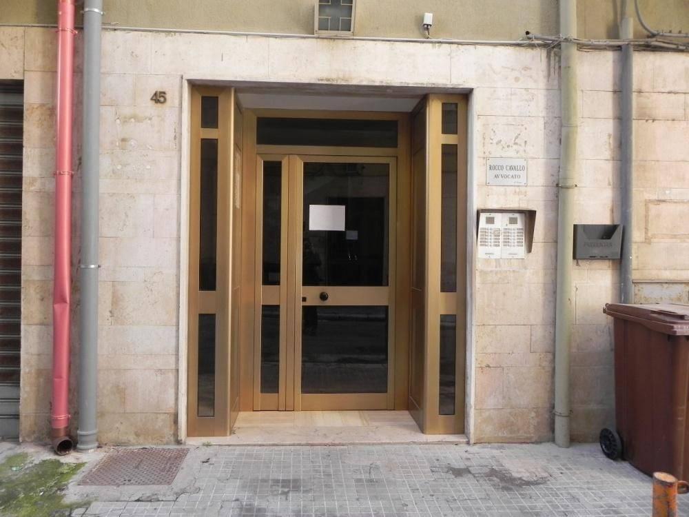 Appartamento in ottime condizioni in vendita Rif. 8850947