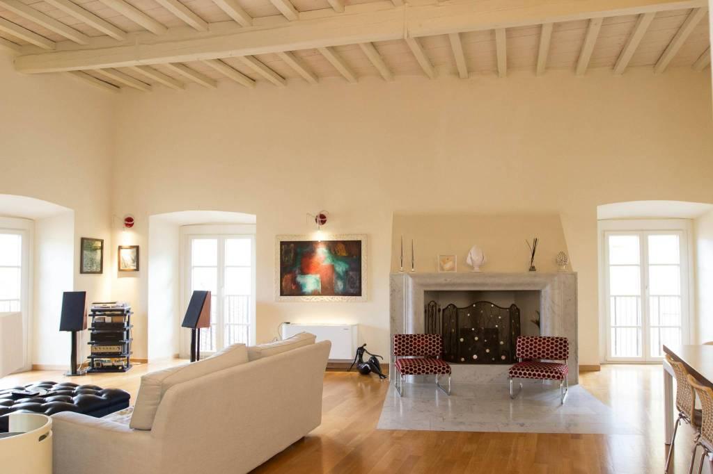 Appartamento in vendita a Pistoia, 5 locali, prezzo € 495.000 | PortaleAgenzieImmobiliari.it