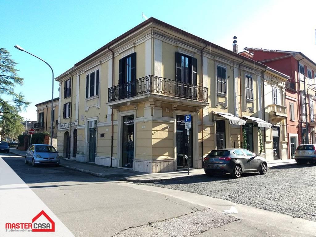 Appartamento in buone condizioni in vendita Rif. 8851200