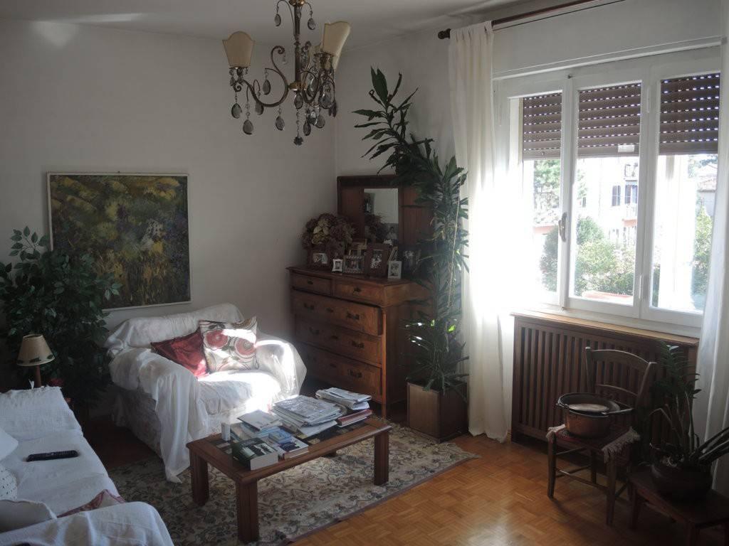 Appartamento in buone condizioni in vendita Rif. 8848117