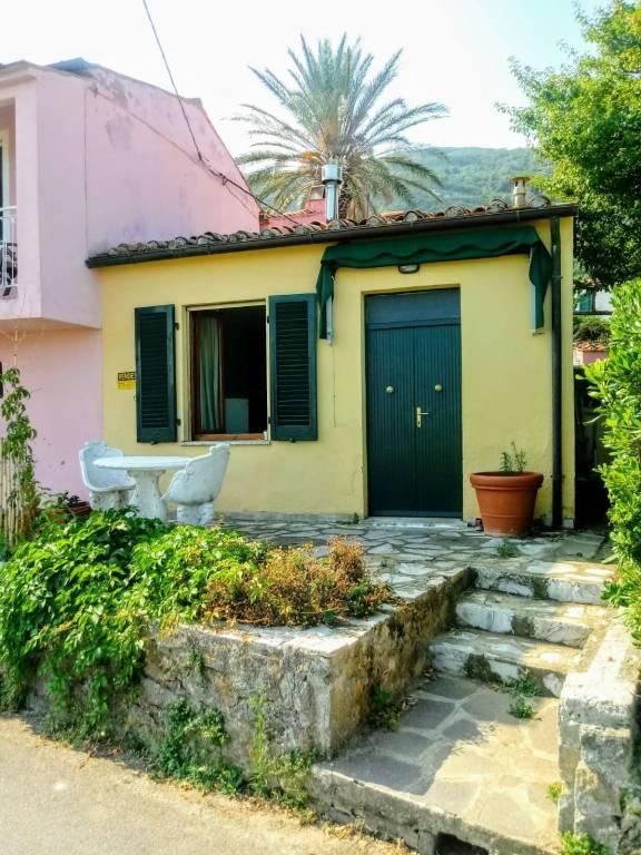 Appartamento in ottime condizioni parzialmente arredato in vendita Rif. 8847872