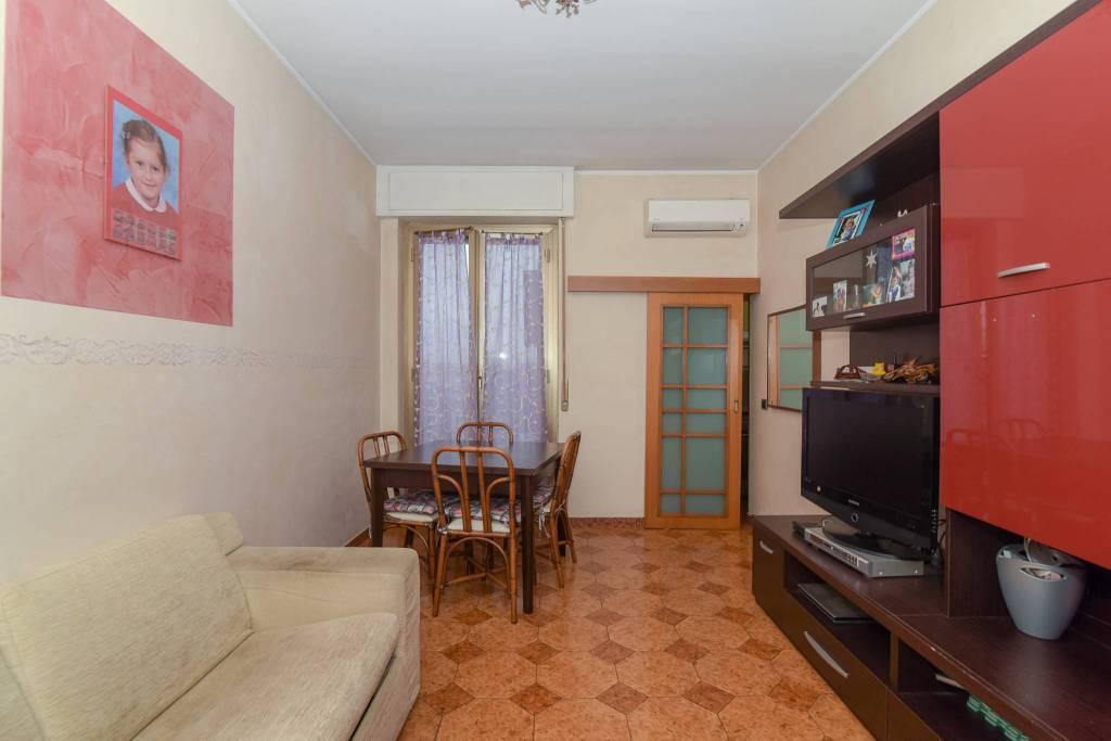 Appartamento in buone condizioni in vendita Rif. 8940348