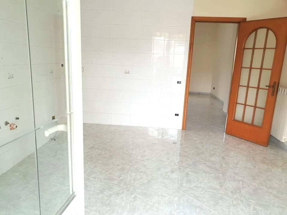 Appartamento in ottime condizioni in affitto Rif. 8847088