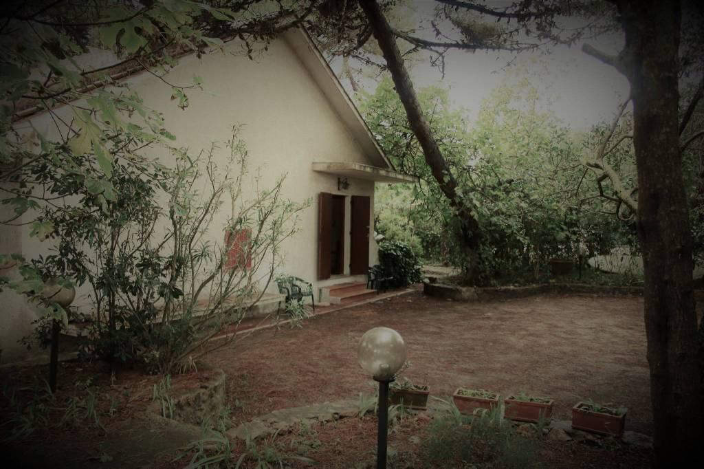 Villa in buone condizioni in vendita Rif. 8847978