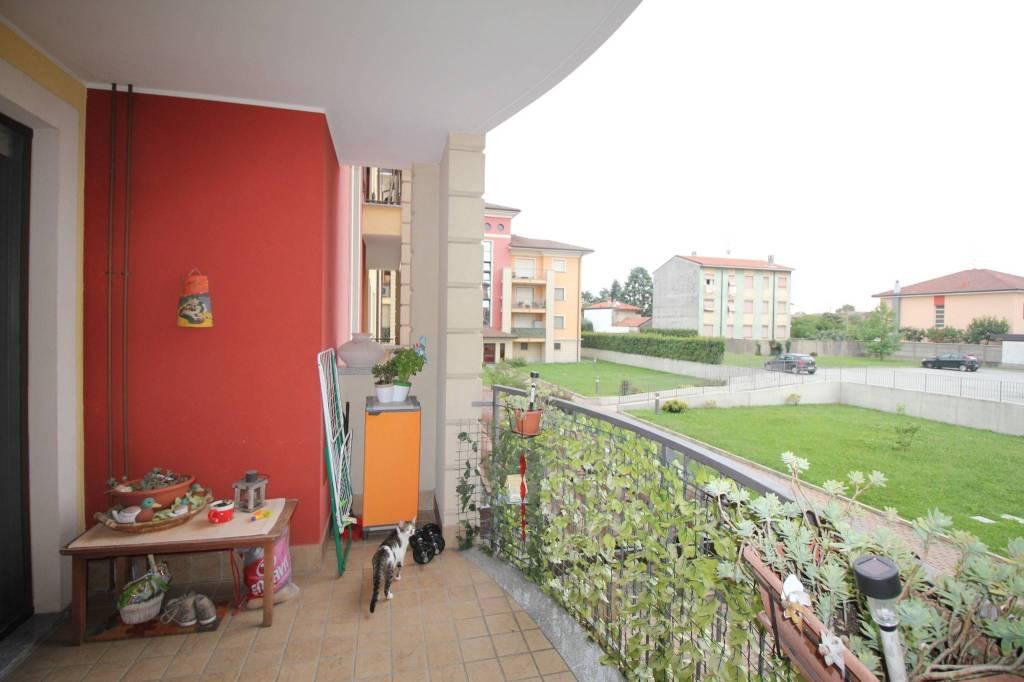 Appartamento in ottime condizioni arredato in vendita Rif. 8848228