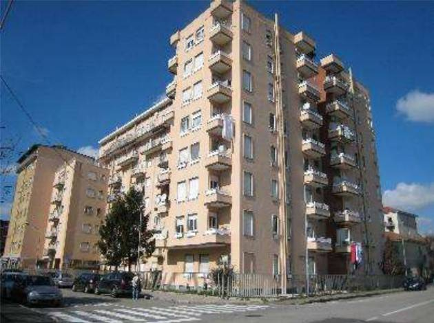 Appartamento in buone condizioni in vendita Rif. 8850614