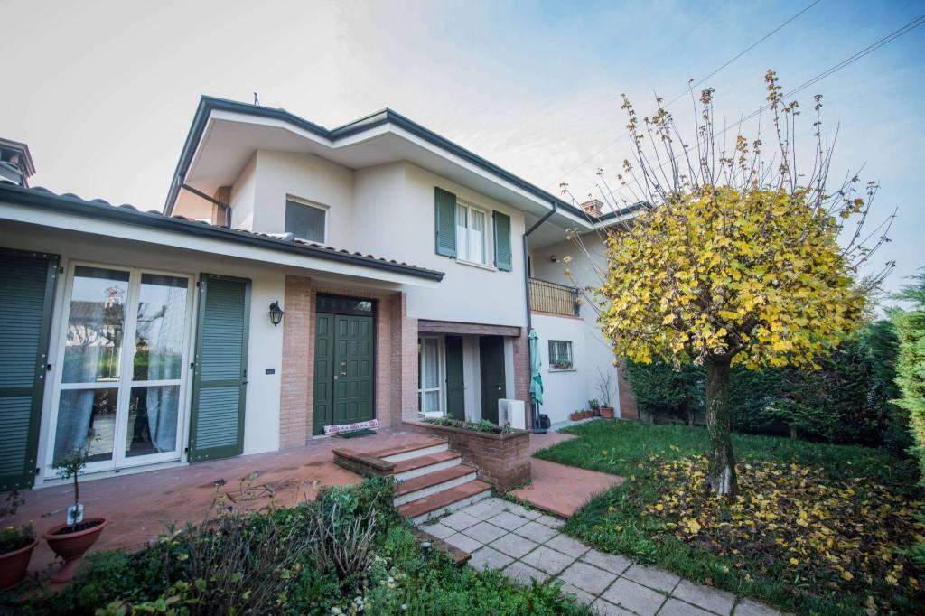 Villa a Schiera in vendita a Bagnolo Mella, 4 locali, prezzo € 310.000 | CambioCasa.it