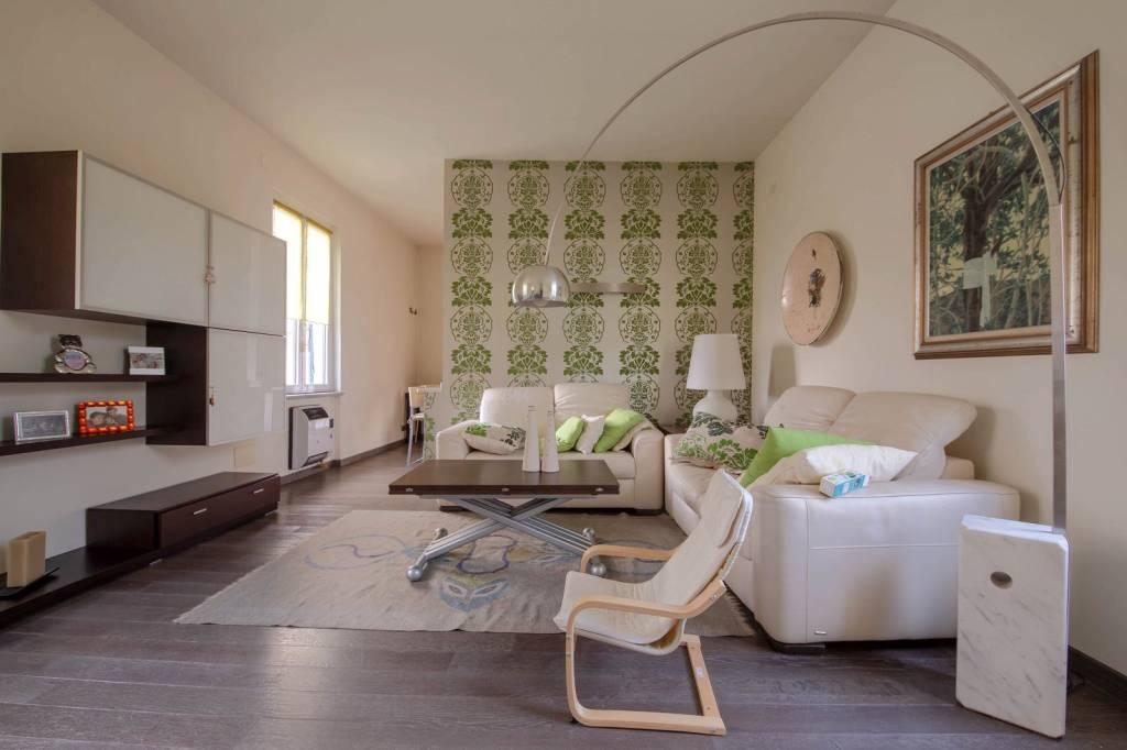 Appartamento in buone condizioni in vendita Rif. 8844351