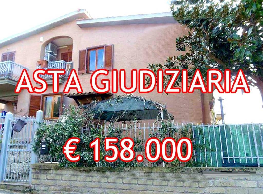 Appartamento in buone condizioni in vendita Rif. 8847074