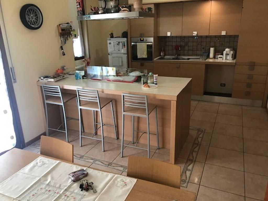 Appartamento in ottime condizioni in vendita Rif. 8845966