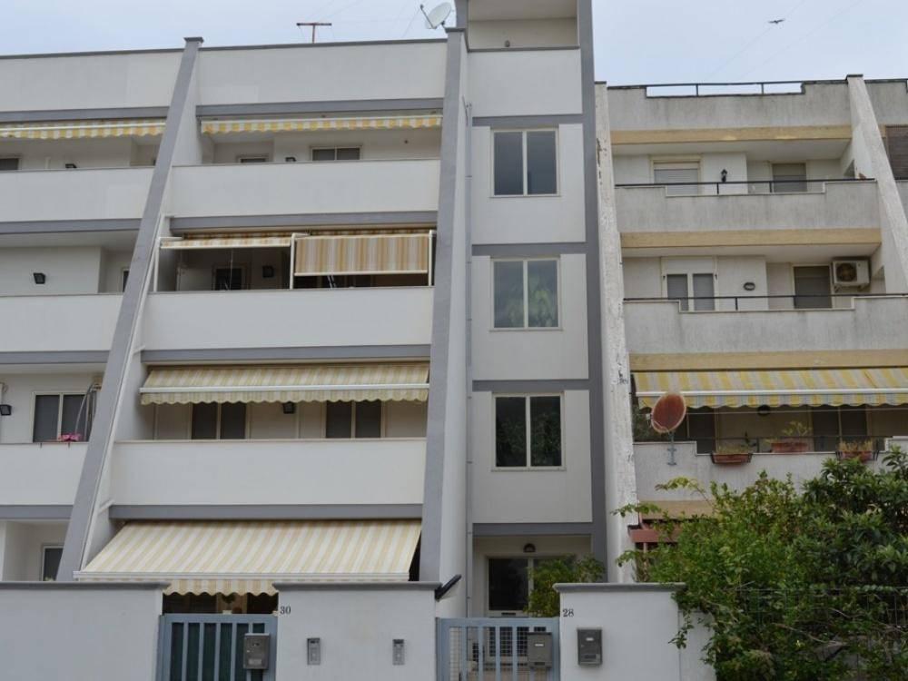 Appartamento in buone condizioni in vendita Rif. 8850948
