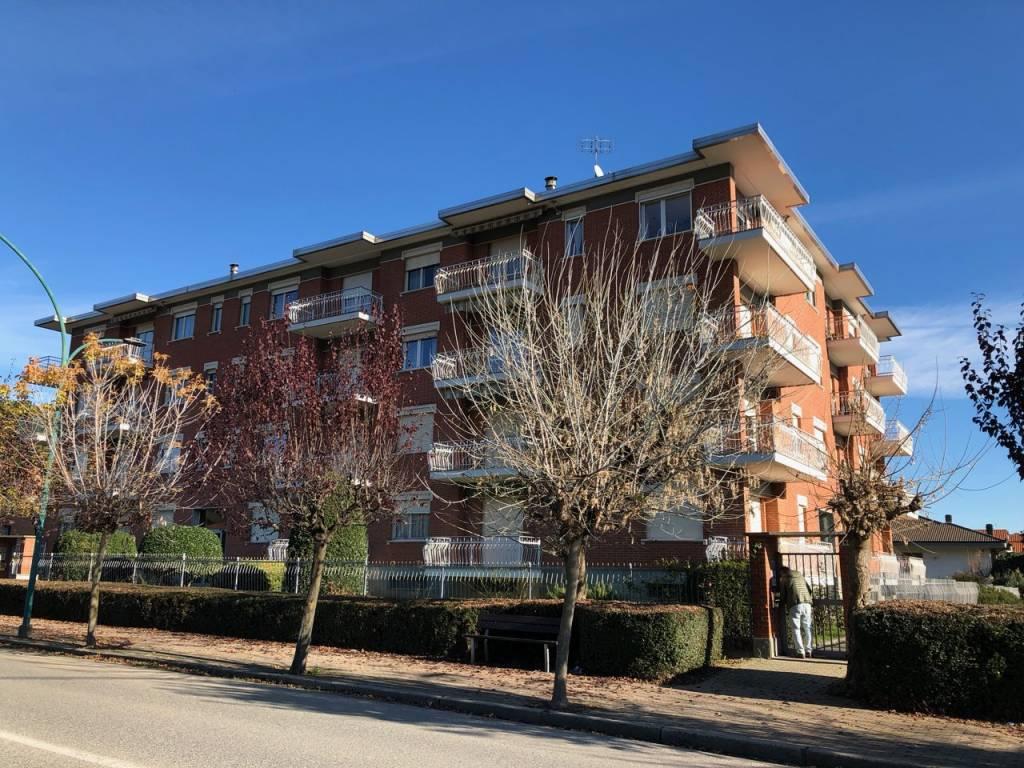 Appartamento in buone condizioni in affitto Rif. 8848693