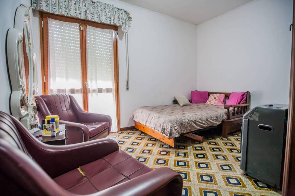 Appartamento in buone condizioni in vendita Rif. 8851328