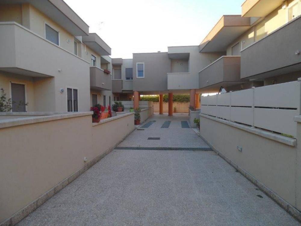 Appartamento in buone condizioni in vendita Rif. 8850950