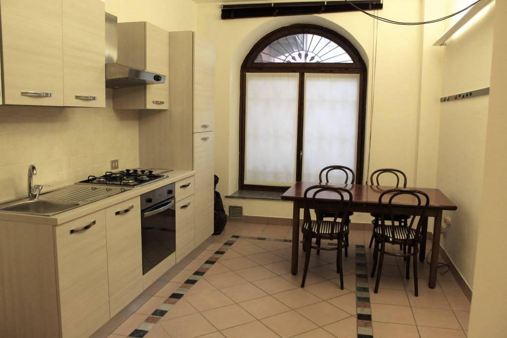Appartamento in buone condizioni arredato in affitto Rif. 8850037