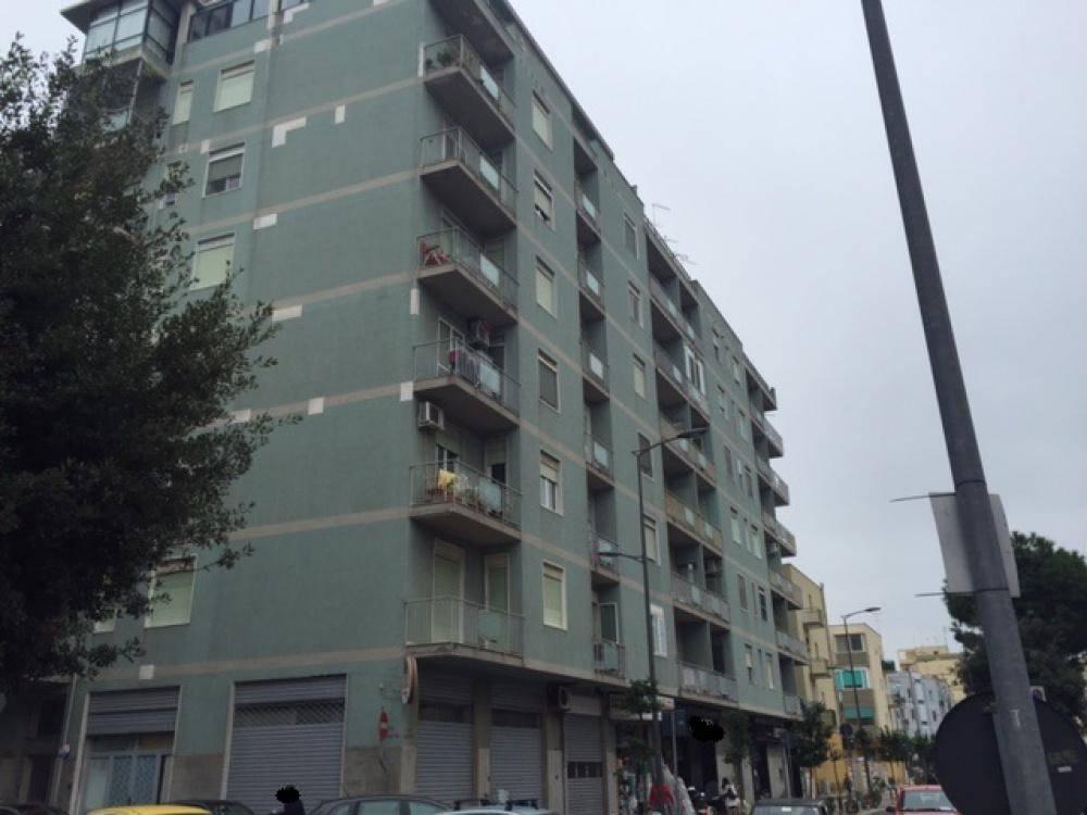 Appartamento in buone condizioni in vendita Rif. 8850951
