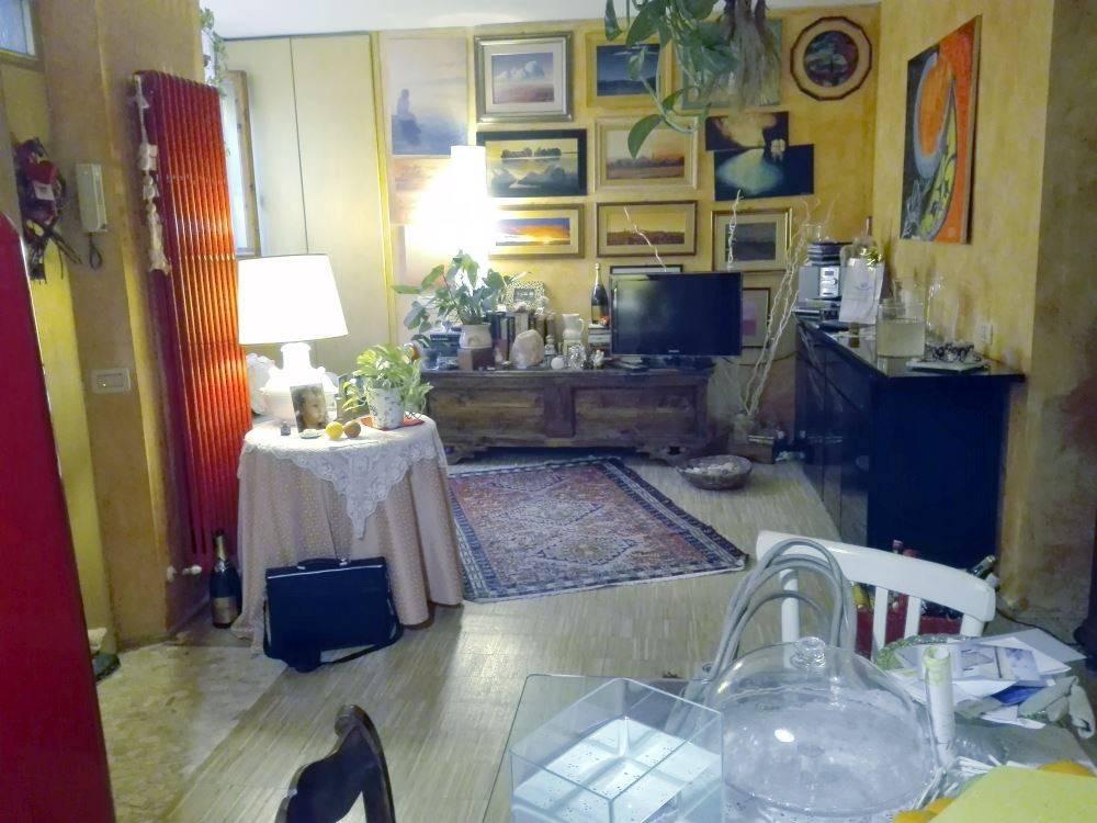 Appartamento in ottime condizioni in vendita Rif. 8846070
