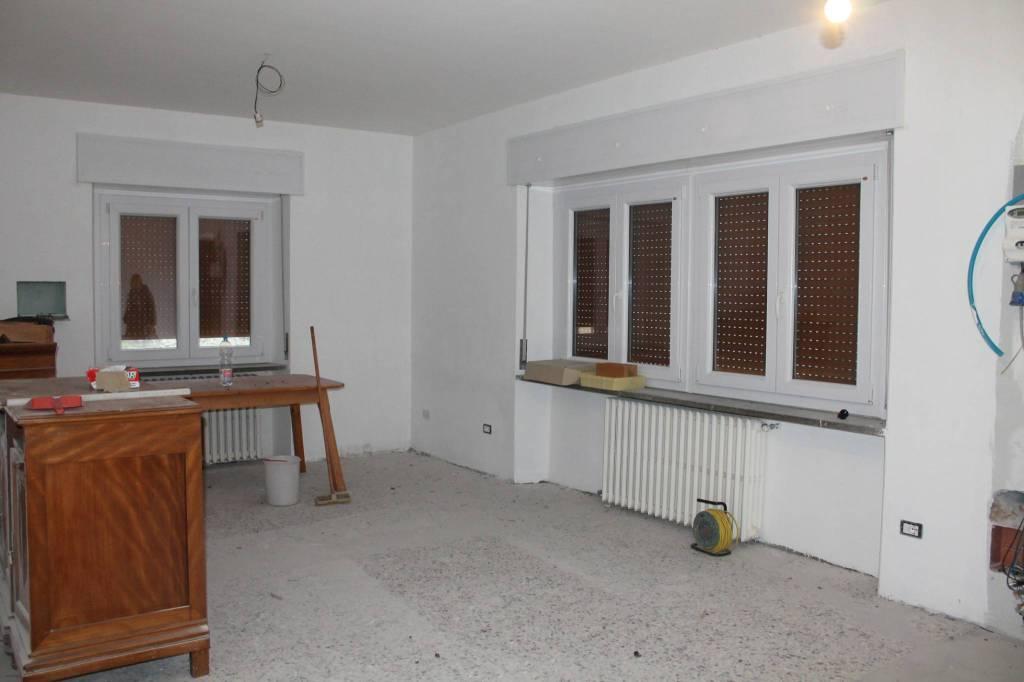 Appartamento in ottime condizioni in vendita Rif. 8844530