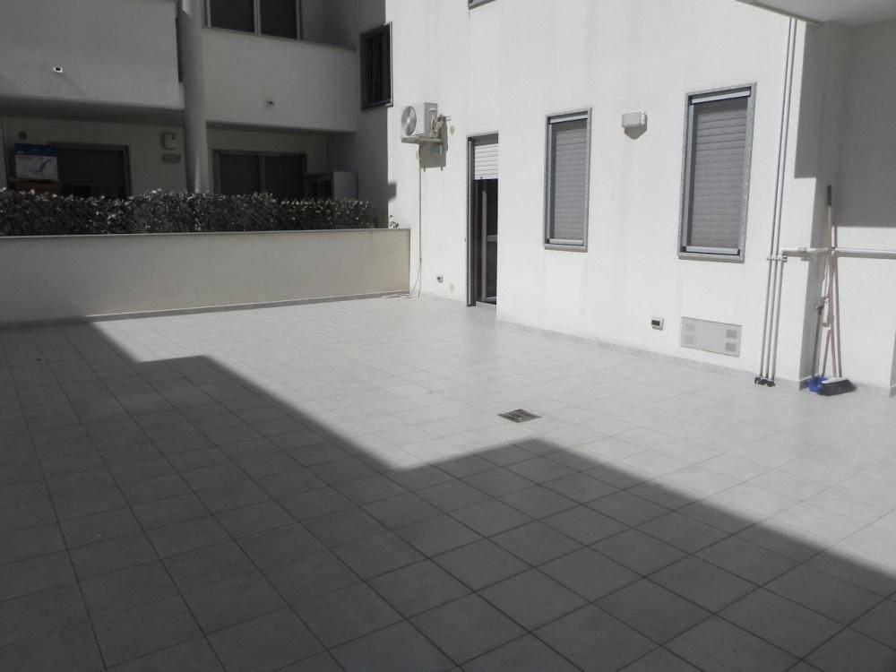Appartamento in buone condizioni in vendita Rif. 8850957