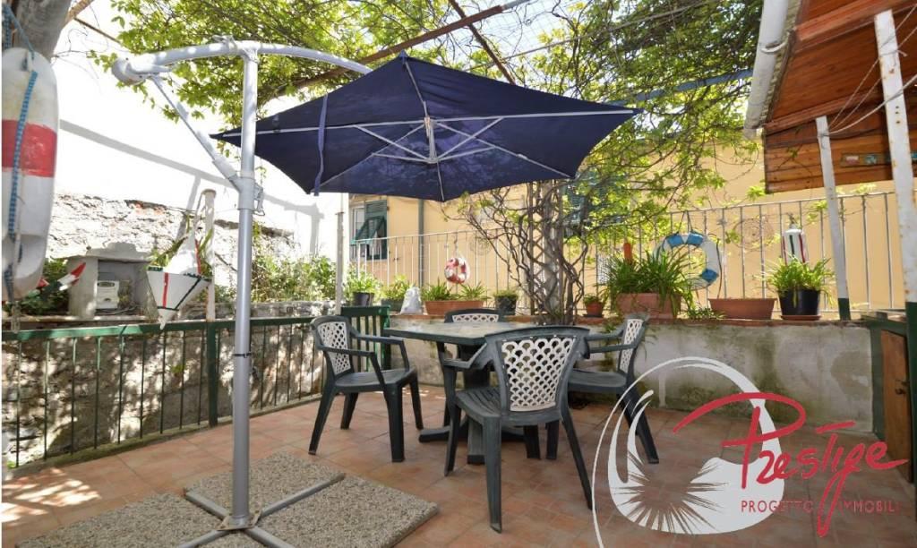 Appartamento in buone condizioni arredato in vendita Rif. 8847423