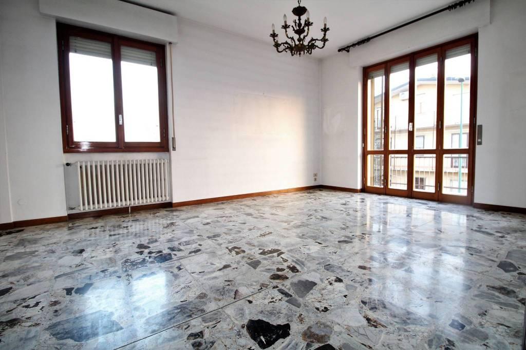 Appartamento in buone condizioni in vendita Rif. 8848792