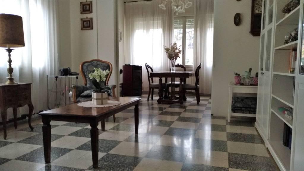 Villa in buone condizioni in vendita Rif. 8849056