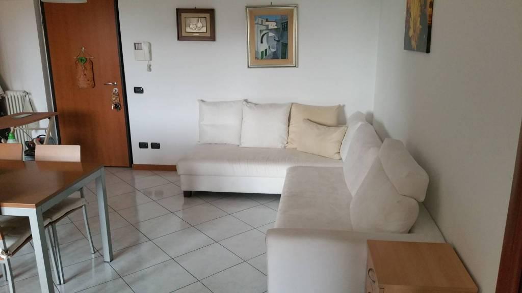 Appartamento in ottime condizioni in vendita Rif. 8862636