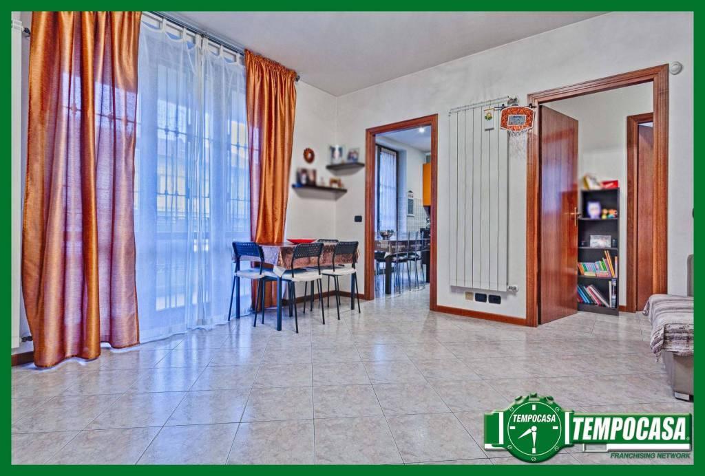 Appartamento in buone condizioni in vendita Rif. 8914677