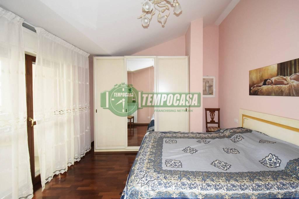 Appartamento in ottime condizioni in vendita Rif. 8861505