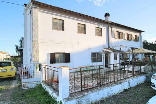 Rustico / Casale da ristrutturare arredato in vendita Rif. 5543271