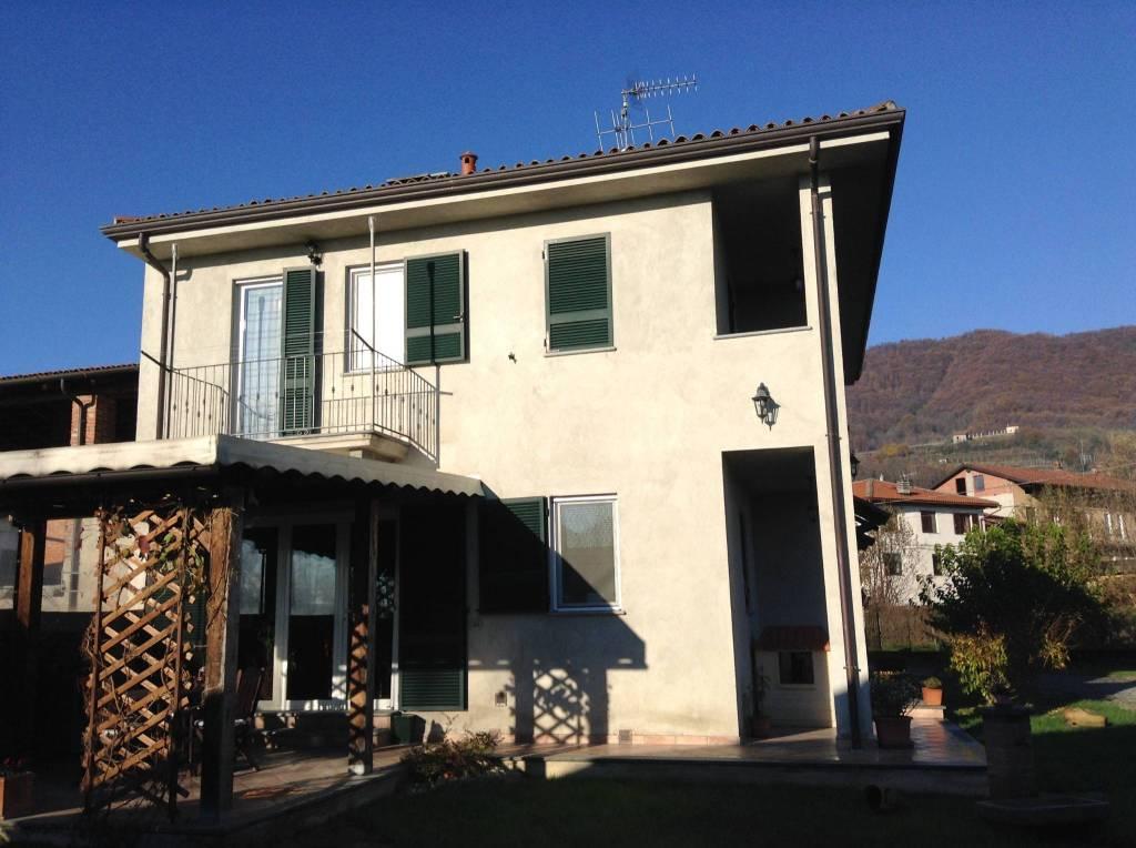 Villa in buone condizioni in vendita Rif. 8859613
