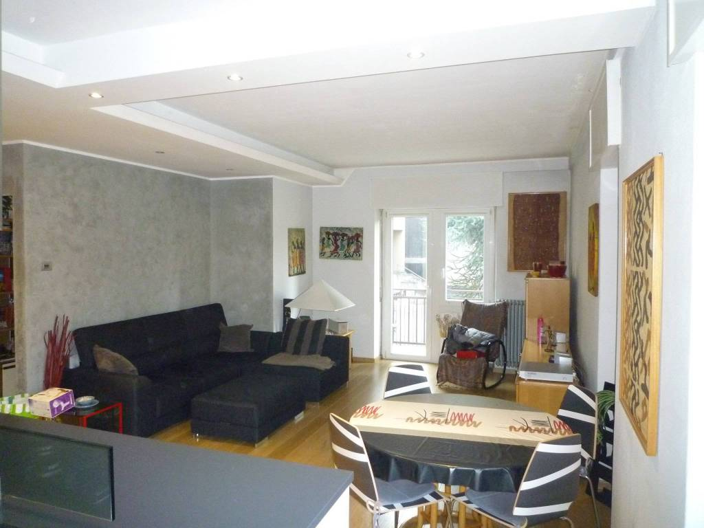 Appartamento in ottime condizioni arredato in vendita Rif. 8864355