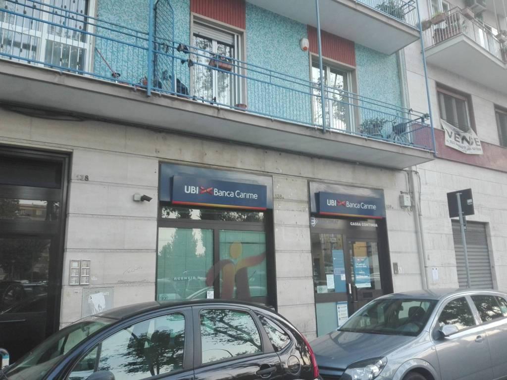 Locale commerciale doppia vetrina