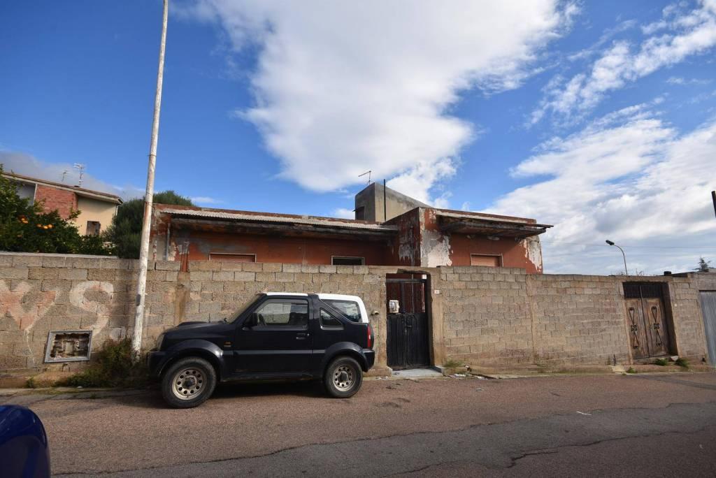 Villa da ristrutturare in vendita Rif. 8860596