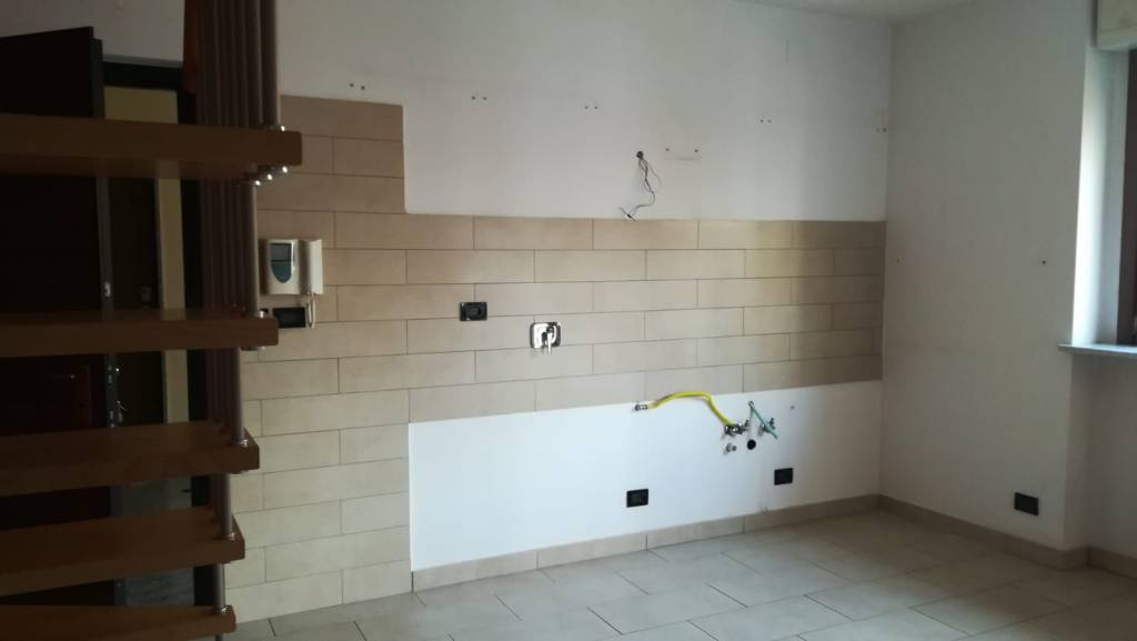 Appartamento in ottime condizioni in affitto Rif. 7362005