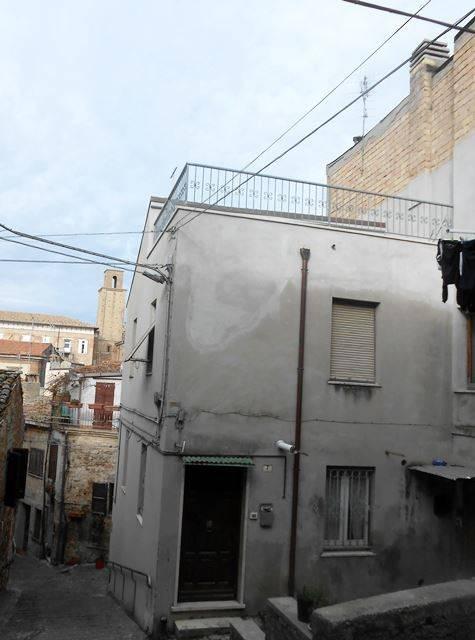 Casa Indipendente in buone condizioni parzialmente arredato in vendita Rif. 8859491