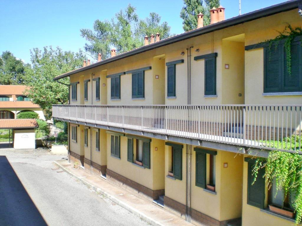Appartamento in buone condizioni parzialmente arredato in vendita Rif. 9288148