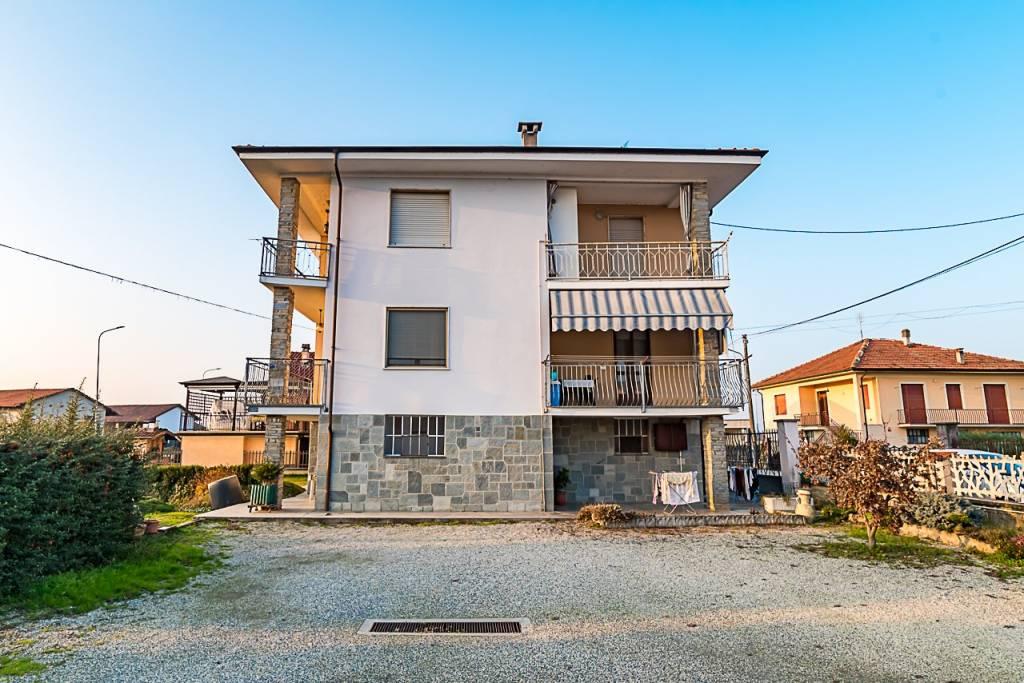 Appartamento in buone condizioni in vendita Rif. 5603687