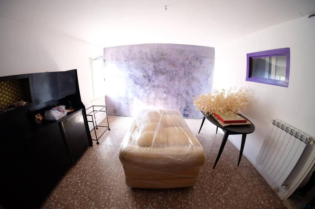 Appartamento in buone condizioni in vendita Rif. 8859337