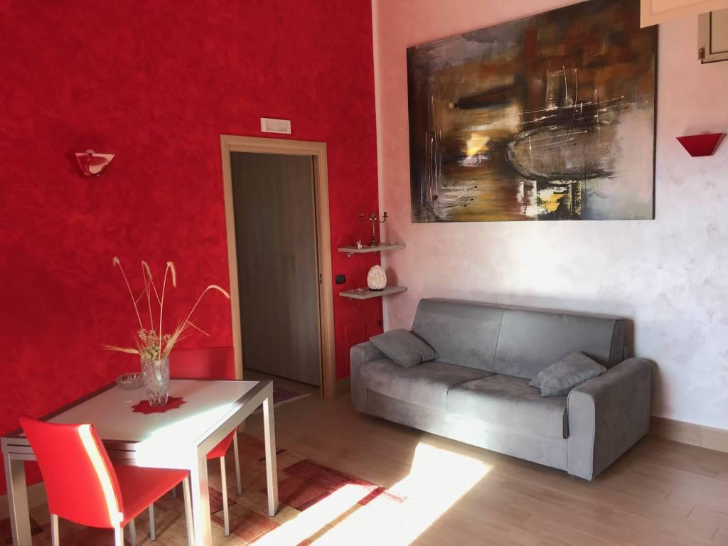 Appartamento in ottime condizioni arredato in vendita Rif. 9227630