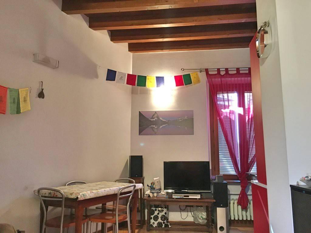 Appartamento in ottime condizioni arredato in affitto Rif. 8859395