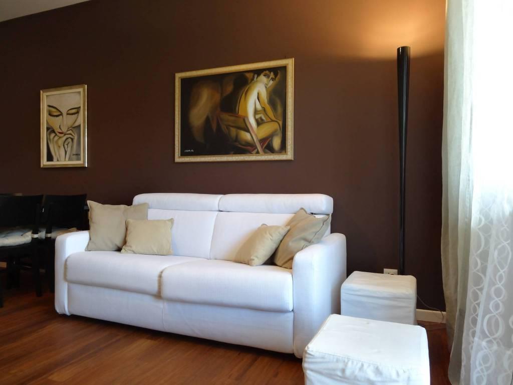 Appartamento in buone condizioni arredato in vendita Rif. 8846148