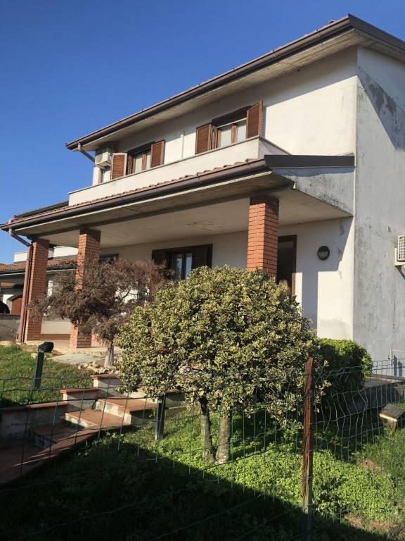 Villa in vendita a Belgioioso, 6 locali, prezzo € 299.000 | CambioCasa.it