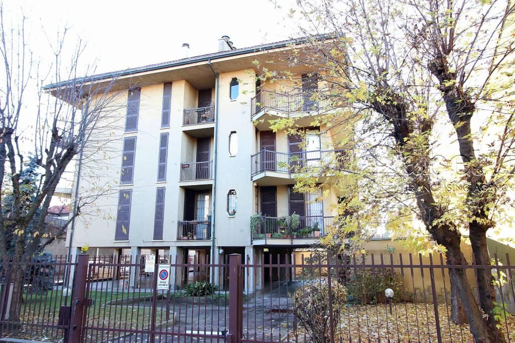 Appartamento da ristrutturare in vendita Rif. 8860519