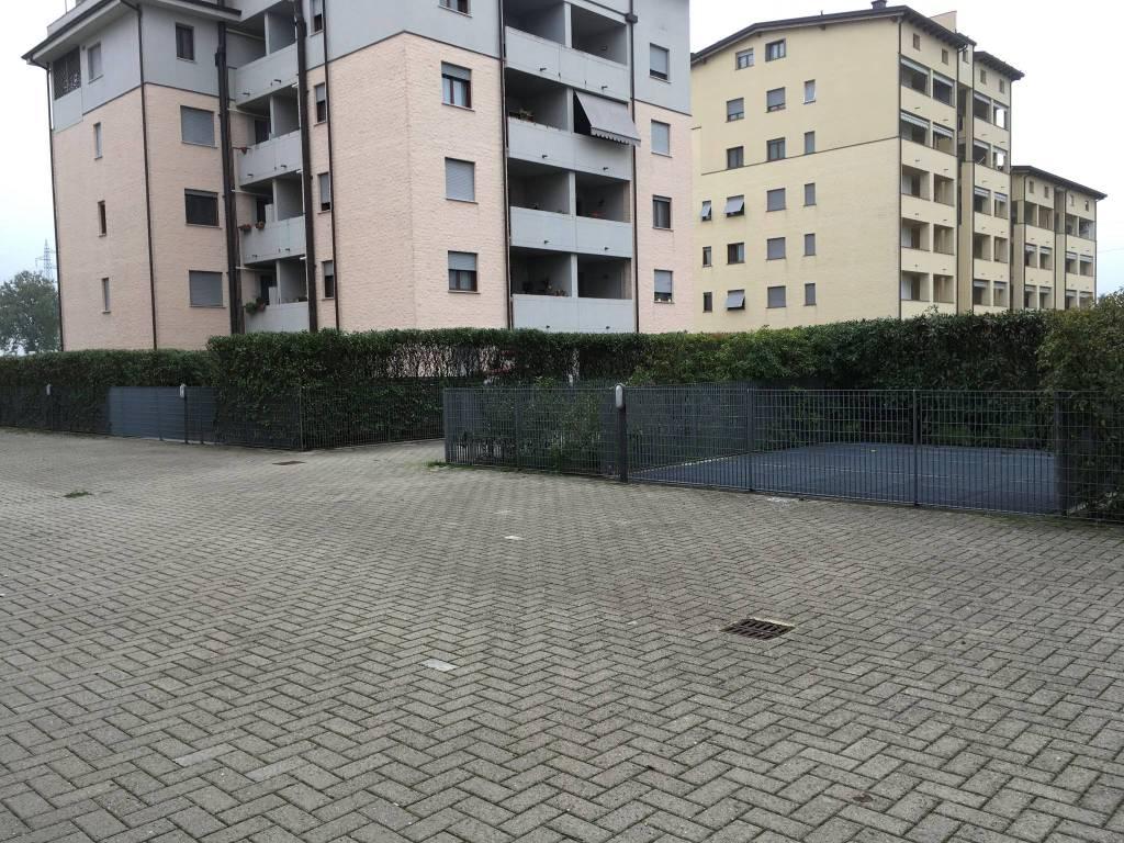 Negozio a Parma Rif. 8888059