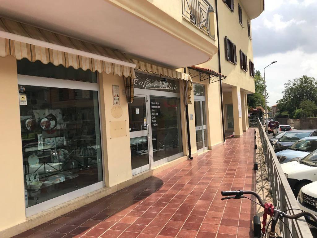 Fondo/negozio 1 vetrina/luce in affitto Rif. 8860033